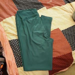 Solid green leggings